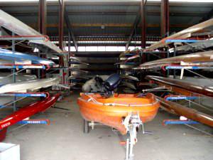 Des bateaux moteur